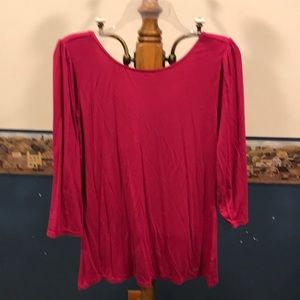 3/4 sleeve hot pink shirt scoop neck in back